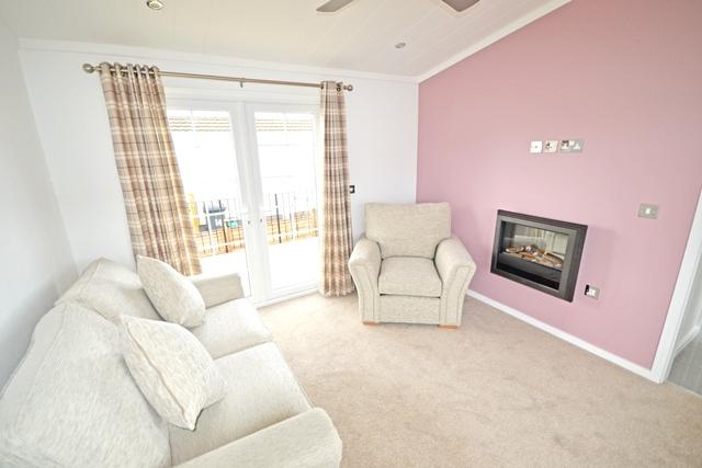 Spacious Park Home Lounge